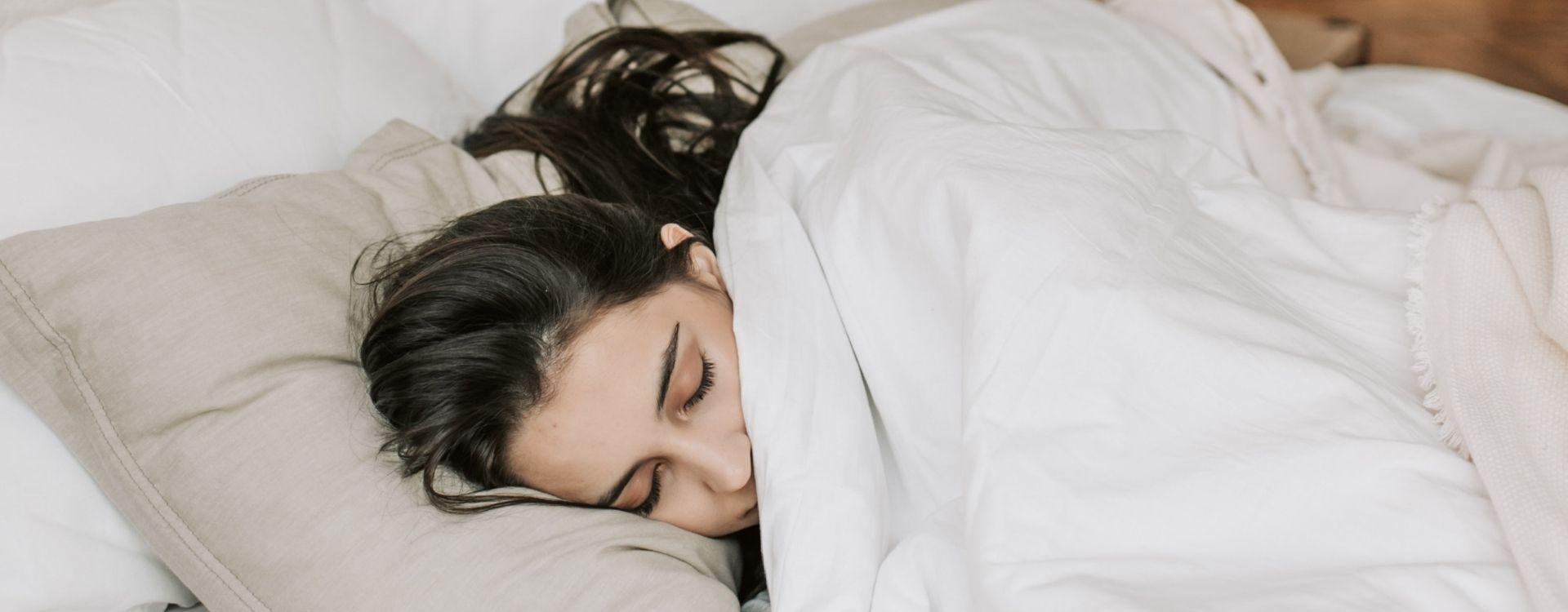 Natural Sleep Remedy: Melatonin CBD Oral Spray